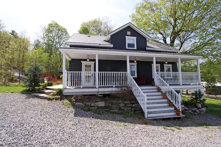 Beautiful retreat by lake Muskoka - Bracebridge - House