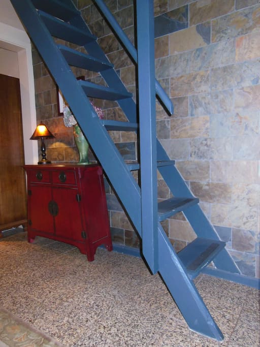 Another view of stairs.