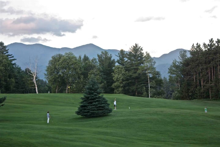 Mountainview chalet on Golf Course