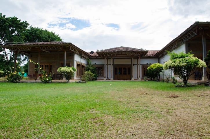 Hermosa Villa en medio de la naturaleza. - La Union - Vila