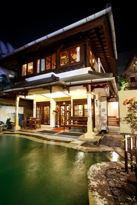 Hidden Garden Villa #1