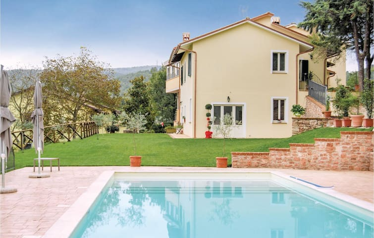 Holiday apartment with 2 bedrooms on 60 m² in Località Macerino -TR-