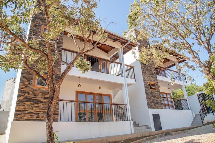 Cerrado Ville - Apartamento Térreo com varanda