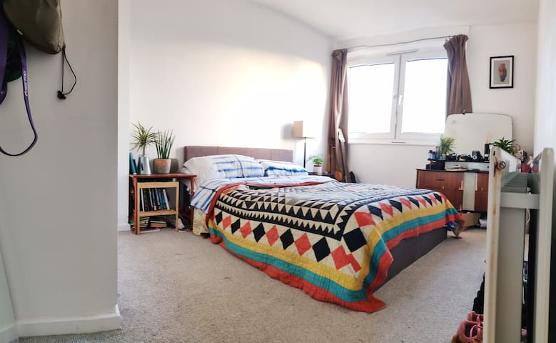 Spacious double room in the heart of Peckham