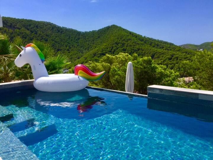 Finca pool near beach 10 minutes to Ibiza 7 per.