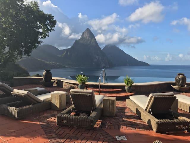 Ocean/Pitons/pool view w/free breakfast - balcony