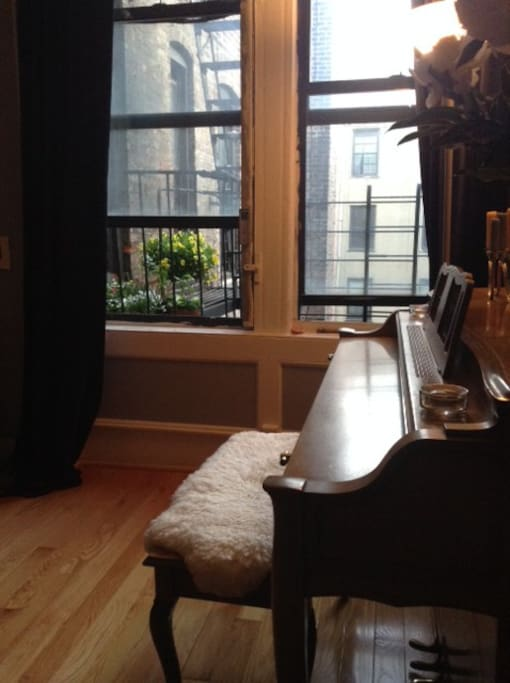 Piano and Courtyard view