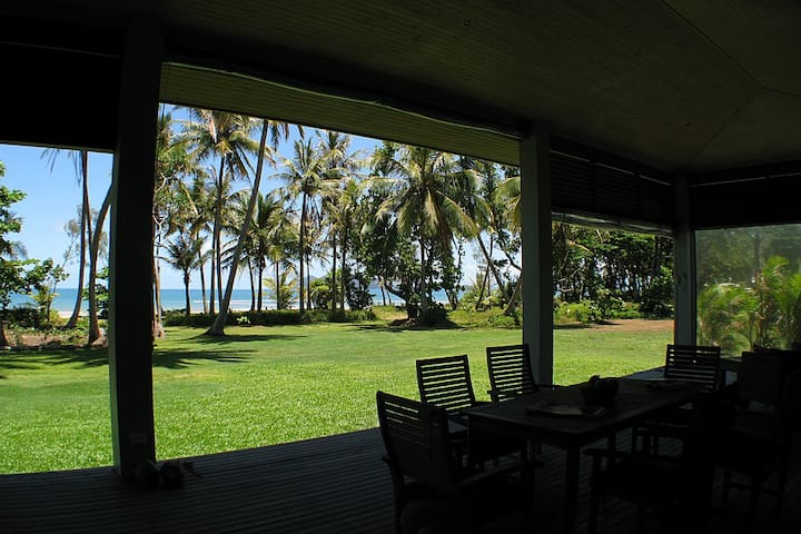 Tropika - Absolute Beachfront - Mission Beach - Casa
