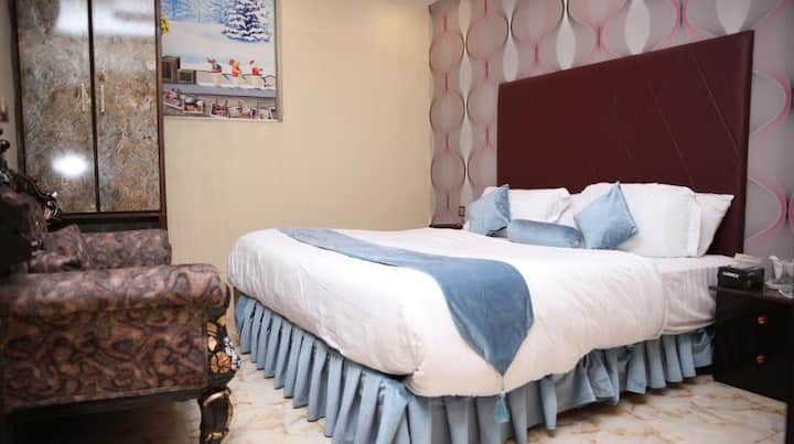Luxury private Room in Gulberg3