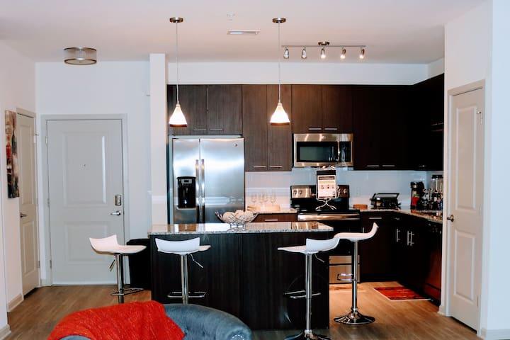 SPECTACULAR near International Dr & Disney Parks - Orlando - Apartamento