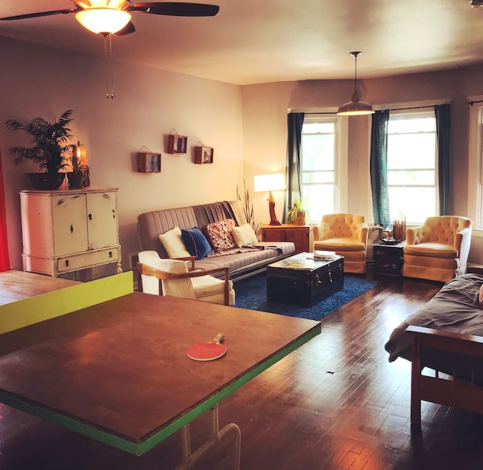 Cozy Playful 2 Bd Apartment Apartments For Rent In Detroit Michigan United States