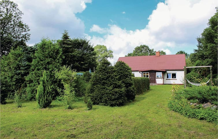 Holiday cottage with 2 bedrooms on 80m² in Gardna Wielka