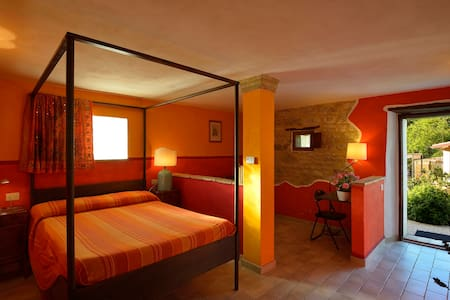 Room in charming cottage Marche - Talo