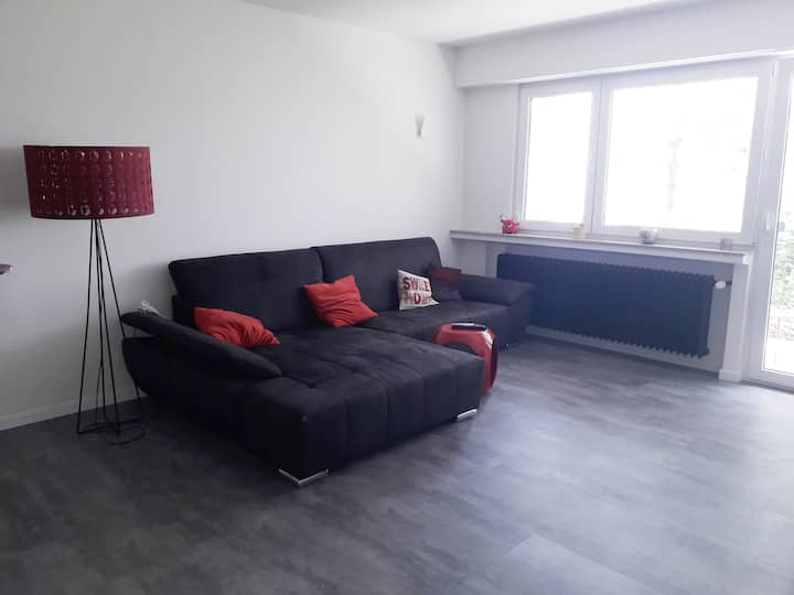 IDEALLY LOCATED 1 bedroom apartment NO KITCHEN