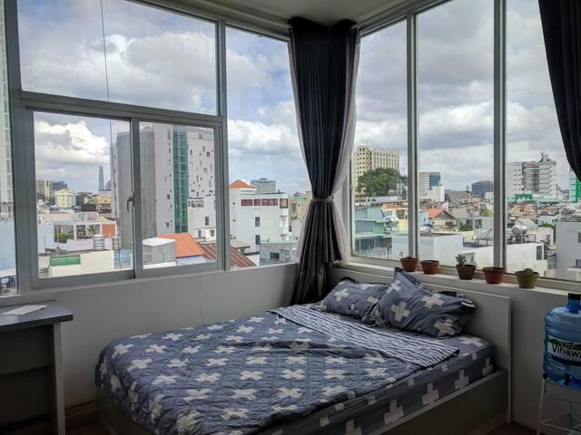 Big window river view studio