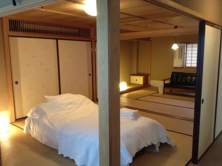 【Room B】Cozy, Relaxed, Spacious room