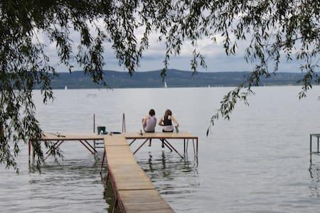Kiadó apartman saját vízparttal - Balatonszárszó - Apartamento