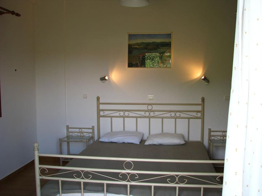BD1 with double bed / ΥΔ1 με 2πλο κρεβάτι