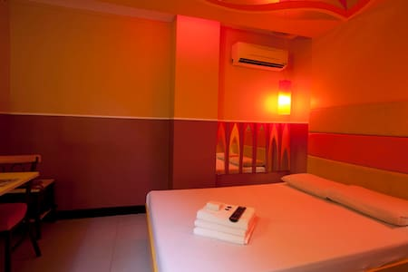 Budget Hotel in Manila at Hotel 99 - Manila