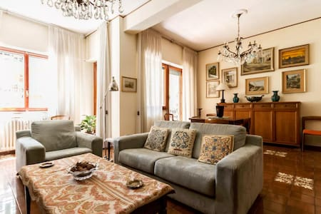 Clean & Confortable room in Rome - Rom - Bed & Breakfast