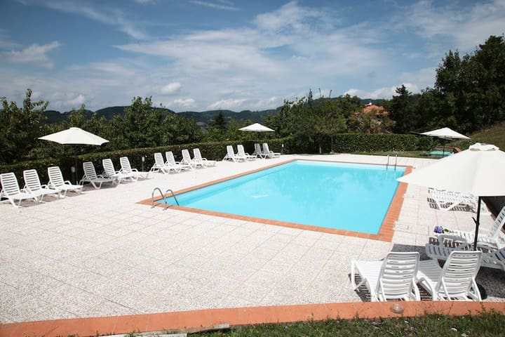 Farmvillage with pool near Florence - Consuma