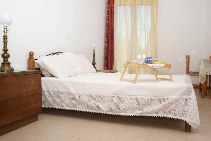 Big Room by the Beach in Giosonas