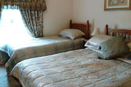 Family Room - Tadcaster - Bed & Breakfast