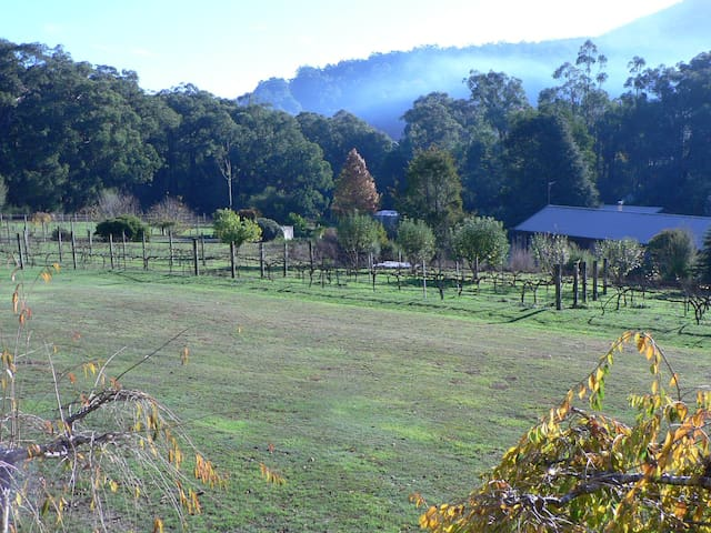 Gundalee Cottages - East Warburton
