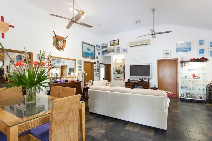 Dining & Lounge room.