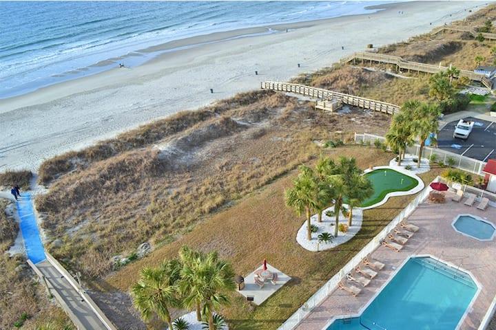 Two Bedroom Ocean Front Luxury Condo, Myrtle Beach (A644)