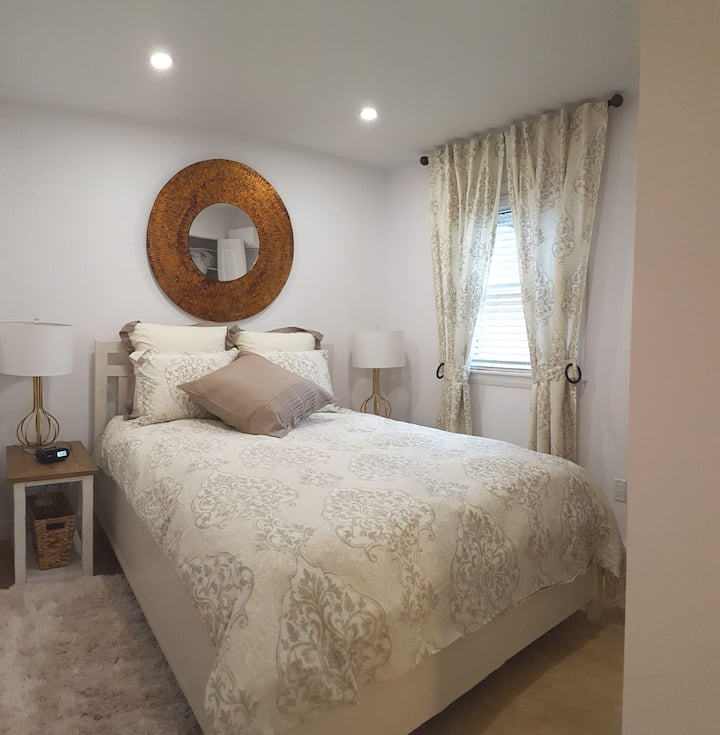 West View Suite 4A weekly and monthly rentals