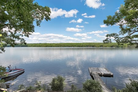 Lovely, large, relaxing, 3 bedroom lakefront home. - Poland - Apartment