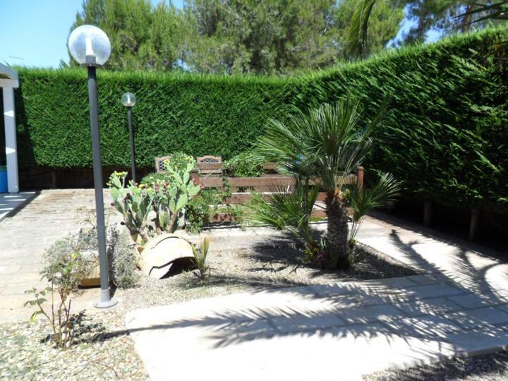 villetta con ampio giardino