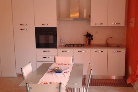 Appartamento in villa ad uso vacanze - Imperia - Apartment
