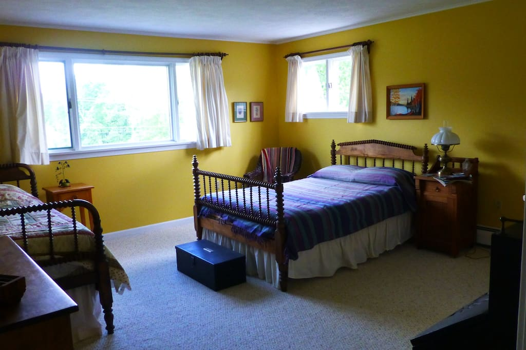 South Bedroom, one full, one twin bed.