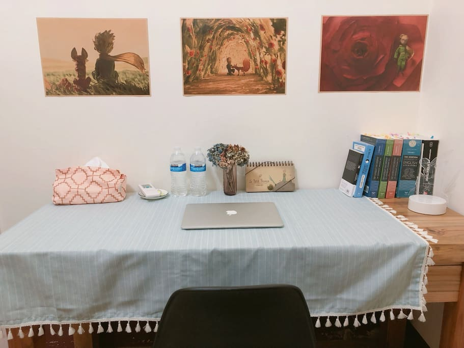 Wide table for reading & working