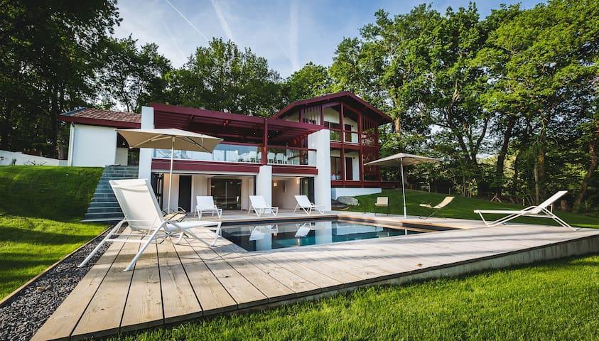 PROMO April:Luxury Design Villa Pool & Sauna -10p - Ahetze - Talo