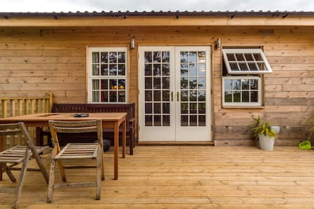 Deluxe chalet with HOT TUB - Pibsbury  - Chalé