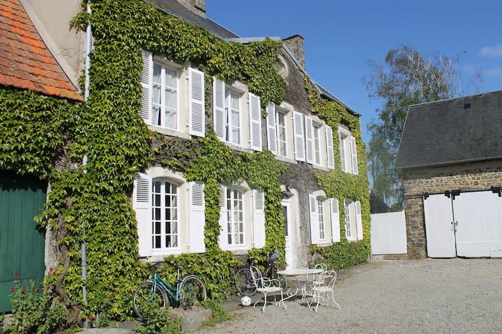 Maison de maître proche de la mer - Canville-la-Rocque - Dom