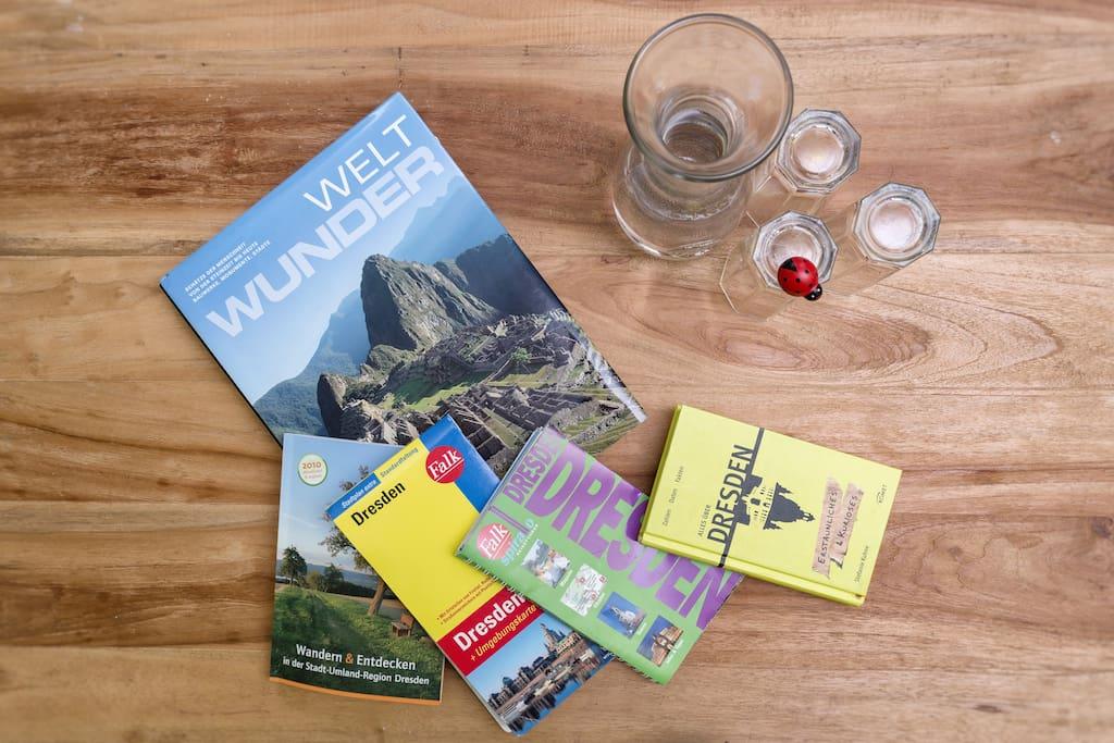 Reiseführer und Lesestoff geben Tipps, falls ihr noch Inspirationen braucht.