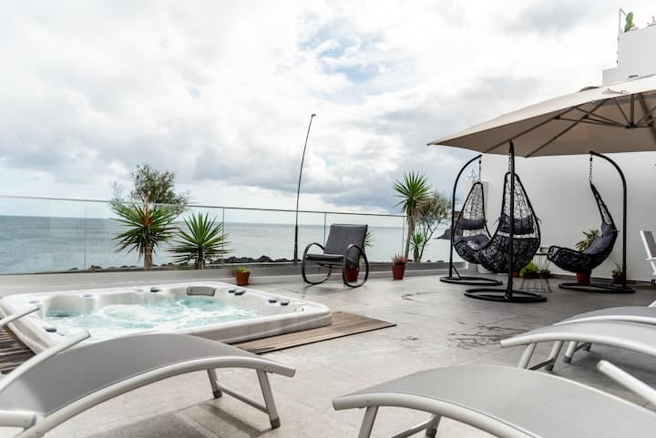 Garoupas Inn - Ocean View with Balcony