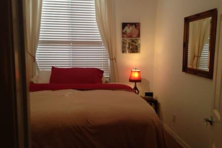 Pristine  Rooms. 1-2-3 @  chez-Yaya - Ház