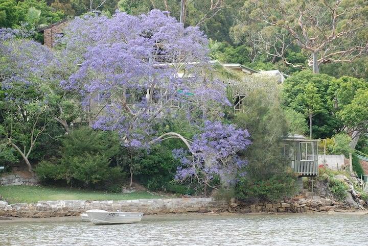 Maianbar Waterfront Cottage