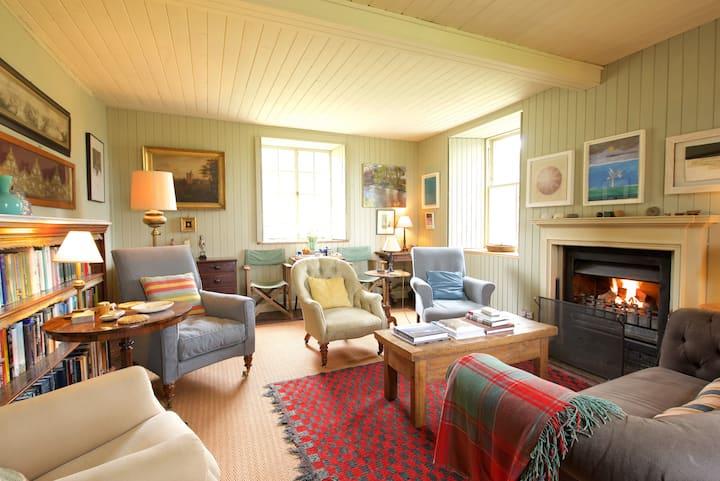 The Finavon room, Callachally house