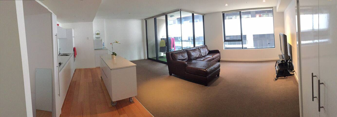 Entire Apt with Spa & Gym in Prime Location - South Yarra - Apartmen