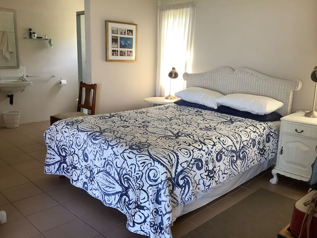 Main bedroom on en-suite