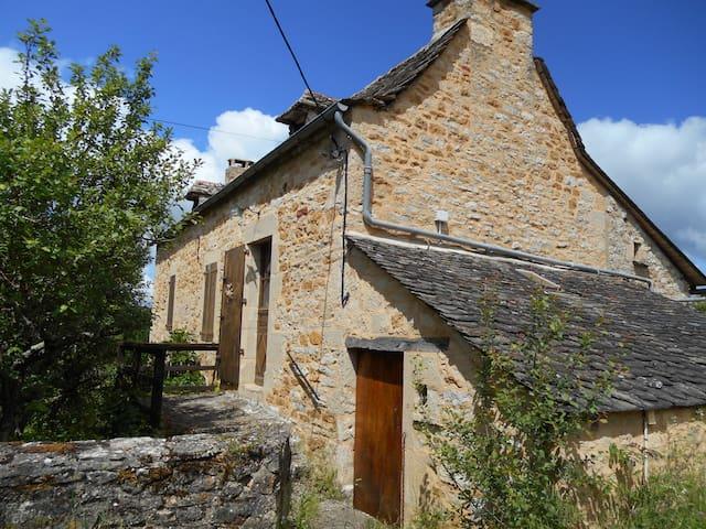 Maison de campagne  tranquille - Salles-la-Source - Haus