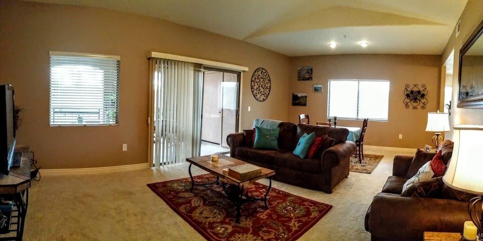 Resort style 2 bed condo - Scottsdale - Apartment