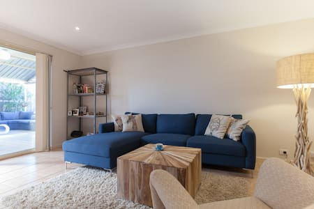 House close to Fremantle / beaches - Spearwood