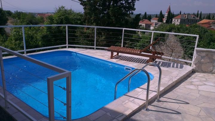 Villa Bobovišće with private pool